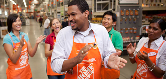 associates in a group - Home Depot